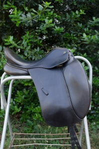 Saddle has no leathers on it because I finally listed this puppy for sale!